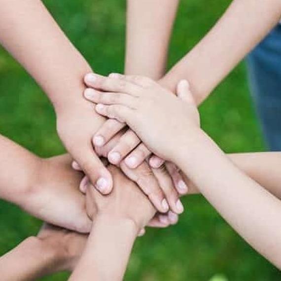 Soutenez vivaforlife, aidez les enfants des écoles communales de la ville d' Arlon à offrir un beau chèque à l'enfance défavorisée